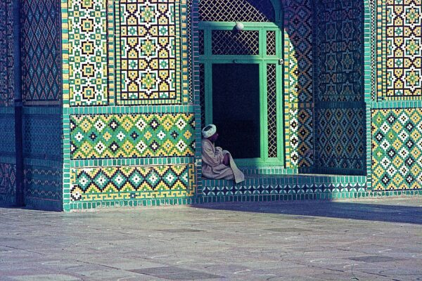 man-resting-at-mosque-1971