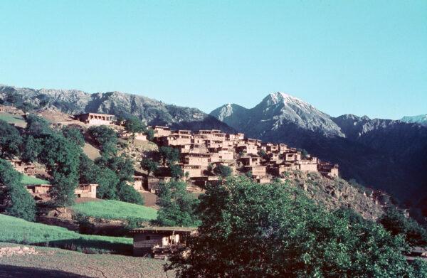 nuristani-village-1971
